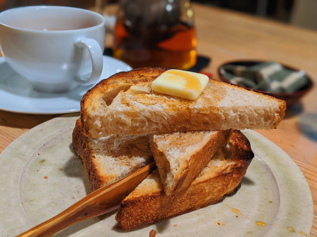 カフェタイムに味わえるジャムバタートーストやメープルバタートースト